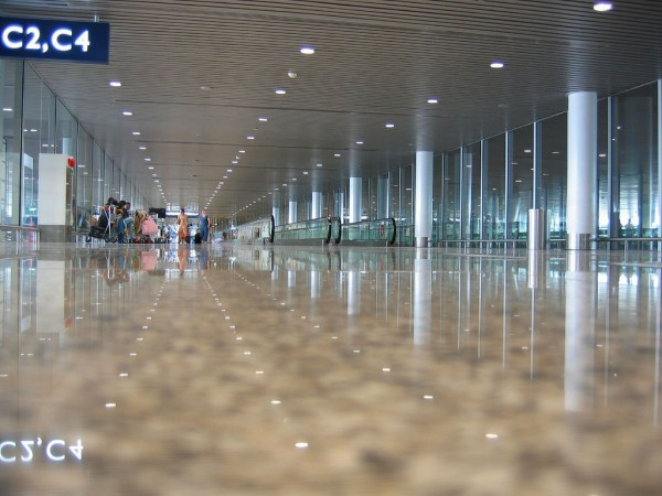 Hong Kong Intl. Airport hall